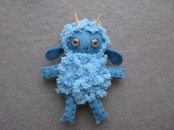 Синяя Деревянная Овечка