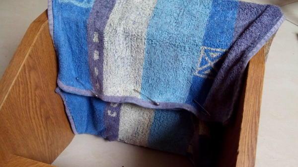 Закрепила полотенце булавками
