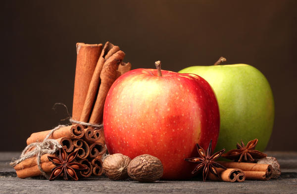 Яблоки моченые с корицей, мятой и гвоздикой