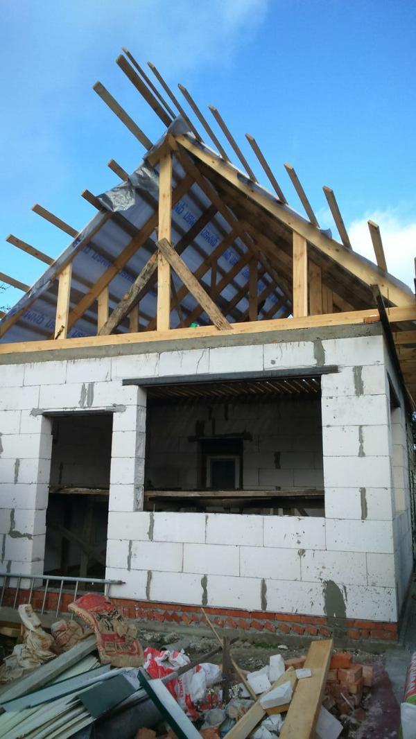У нас как раз идет этап обустройства крыши