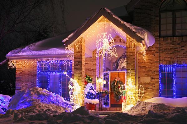 Новогоднее освещение дачи