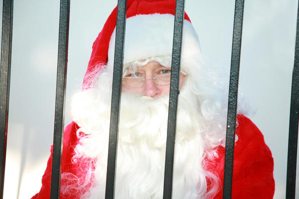 Вы же не хотите провести новогоднюю ночь за решеткой?