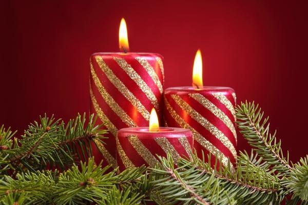 Нарядные свечи станут хорошим рождественским подарком