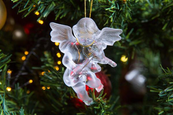 Фигурка ангелочка из стекла
