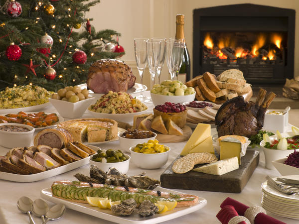 На Рождество накрывают богатый стол