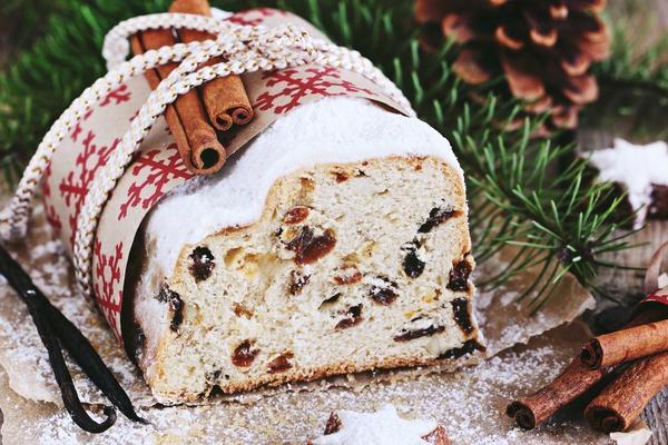 Штоллен — традиционная рождественская выпечка Германии