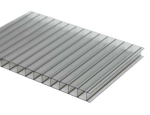 Для монтажа теплицы или парника используйте только прозрачный поликарбонат