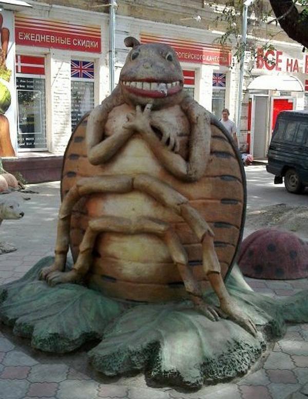 Памятник колорадскому жуку. Фото с сайта greatest.su