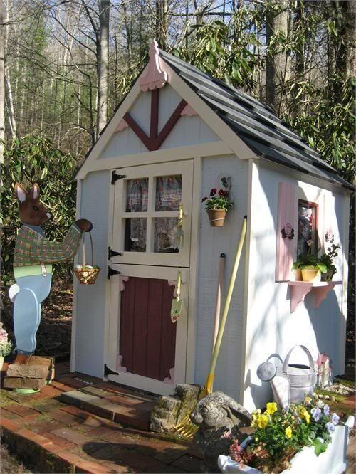 Садовый сарайчик - домик из сказки