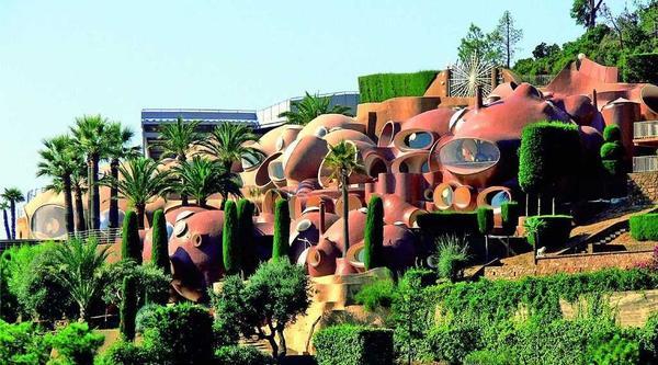 Пузырьковый дом - вид снаружи