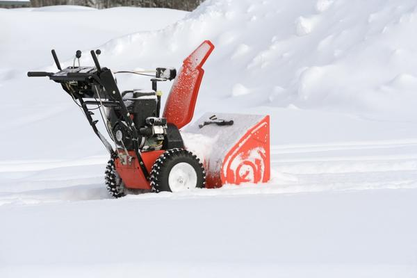Снегоуборщик готов к работе