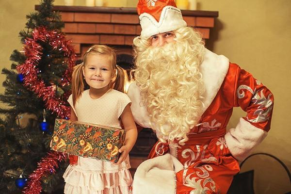 Подготовьте ребенка к первой встрече с Дедом Морозом. Фото с сайта party-boom.ru