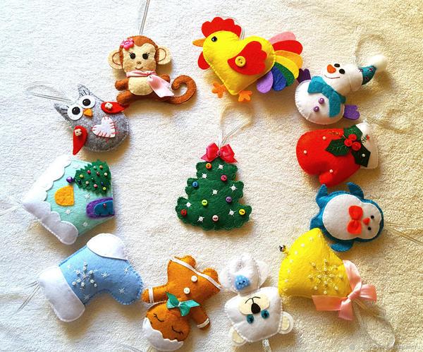 Елочные игрушки из фетра своими руками. Фото с сайта cs2.livemaster.ru
