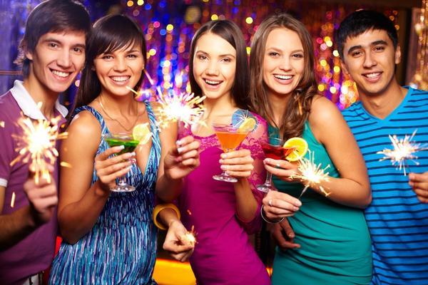 Новогодние праздники можно весело встретить и дома