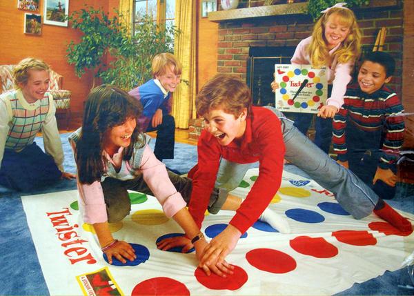 Веселая напольная игра. Фото с сайта womanadvice.ru
