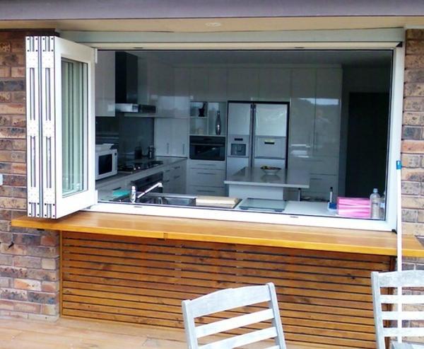 Подоконник-витрина. Фото с сайта pinterest.com