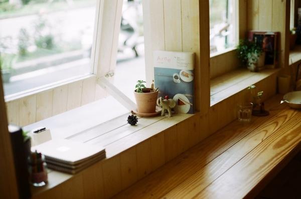 Ступенчатый подоконник. Фото с сайта chelshill.wordpress.com