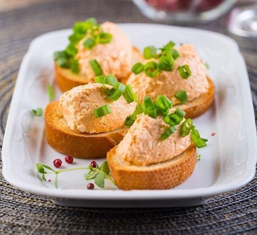 Гренки с чесноком и сырным кремом, фото: К. Виноградов/BurdaMedia