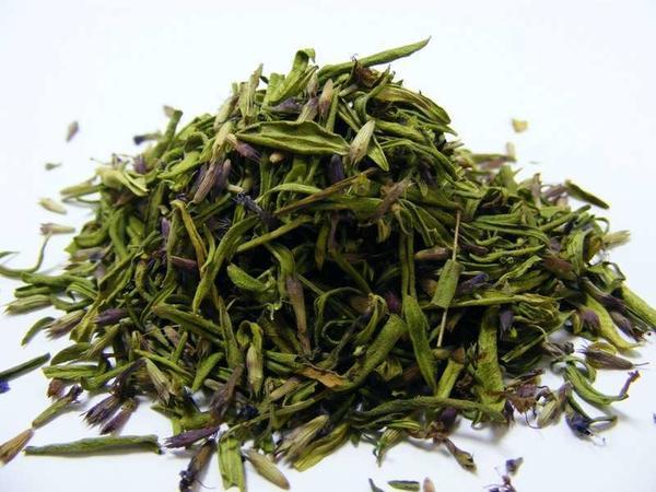 Траву иссопа можно заготовить впрок. Фото с сайта xcook.info