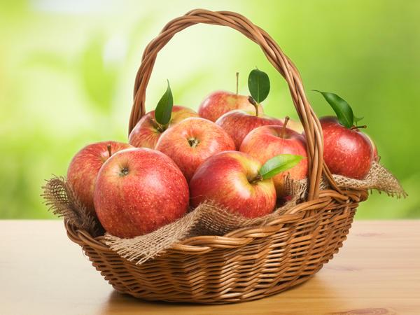 Как много вкусных разнообразных заготовок можно сделать из яблок!