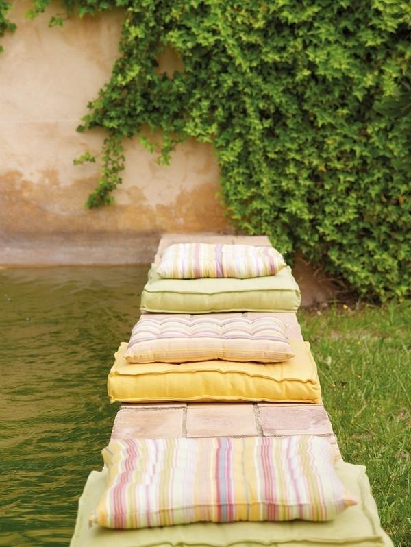 Принт текстиля может быть разным, но в единой цветовой гамме