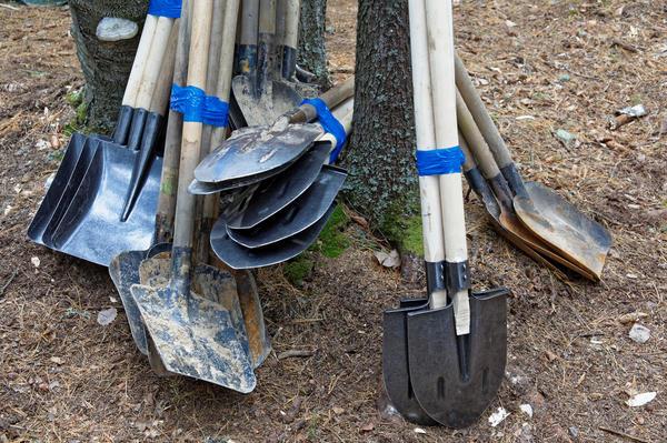 Найти хорошую лопату не так просто