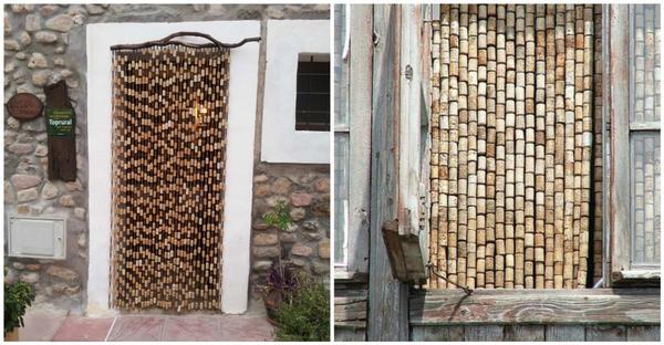 Если корковых пробок у вас накопилось много, из них можно сделать необычные шторы