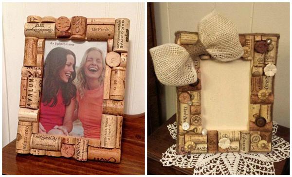 Декорировать рамку для фото или картины корковыми пробками тоже несложно