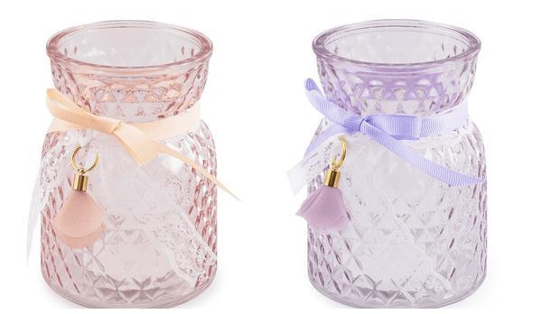 Очаровательная вазочка для небольших букетиков. Фото с сайта fix-price.ru