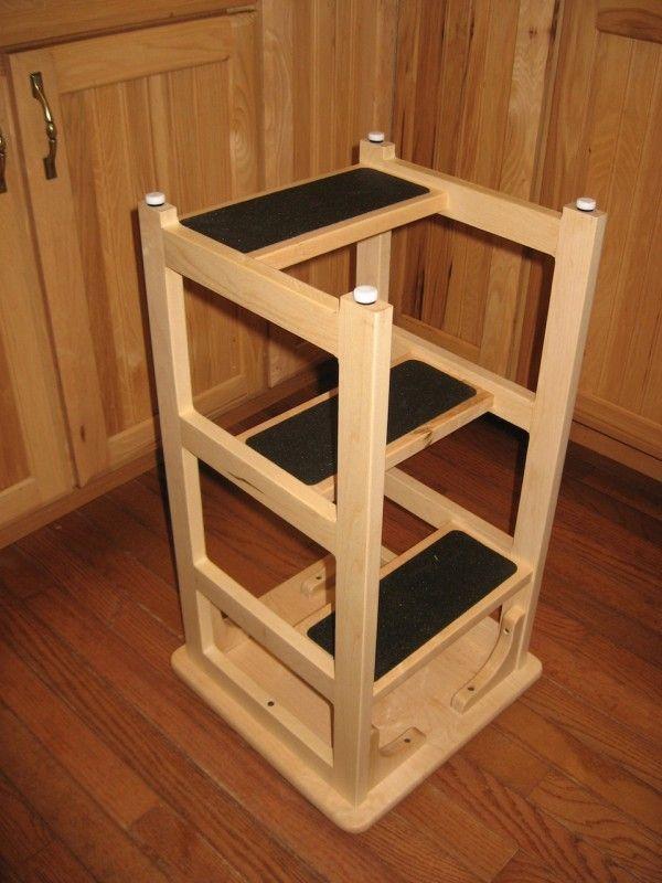 Стремянка из барного стула. Фото с сайта indulgy.com