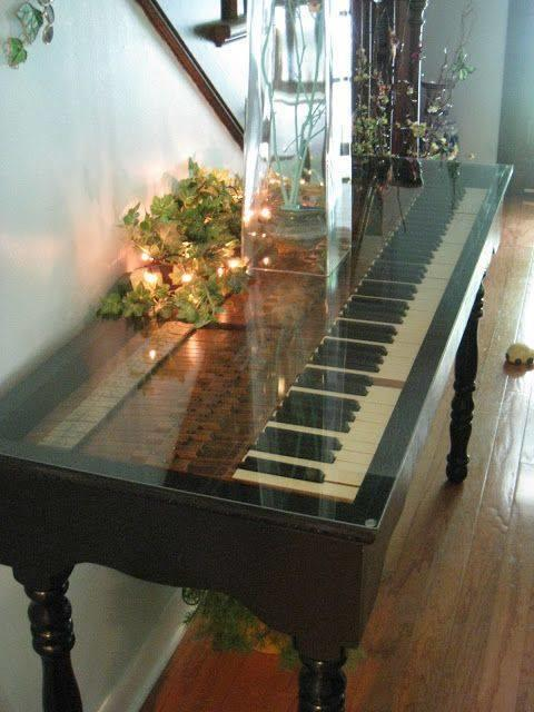 Музыкальный стол. Фото с сайта homedecorlike.com