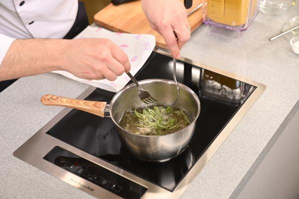 Тыквенный суп-пюре с яблоками и кокосовой мякотью: пошаговый рецепт с фото