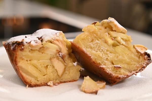 Ароматный пирог с яблоками для летнего настроения