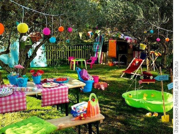 детская площадка в ландшафте