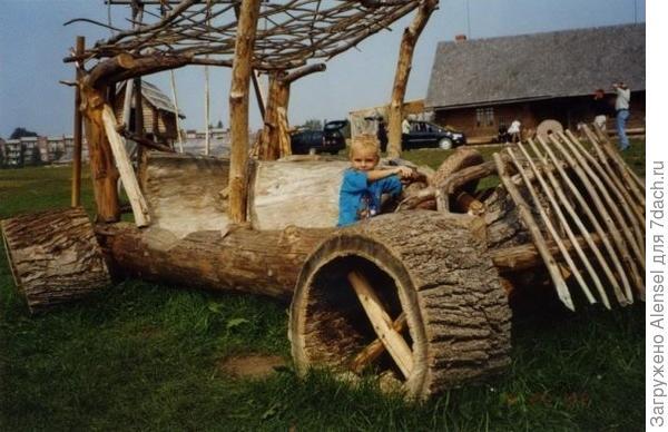 Машина из дерева