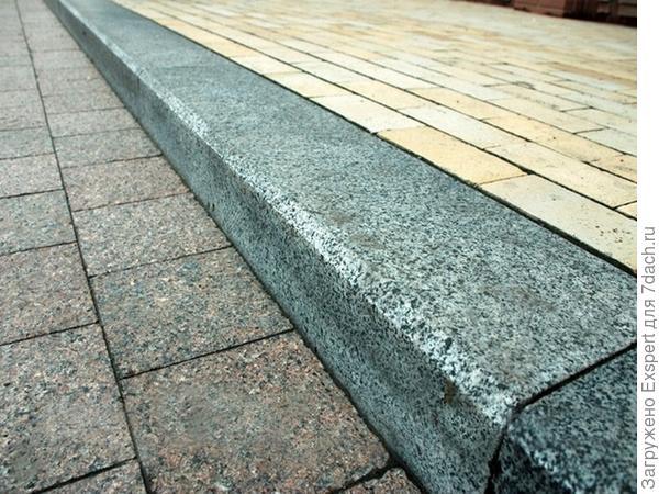 гранитные бордюрные камни