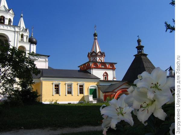 Первые сады-огороды возникли при монастырях