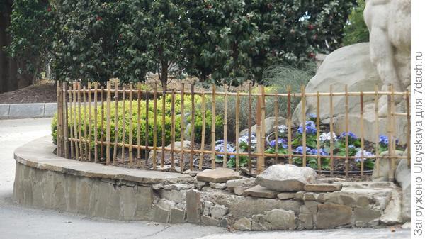 Заборчик из бамбука