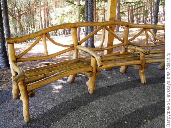 Деревянная скамейка из 3-х секций