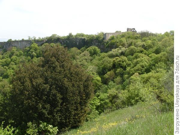 Сторожевые стены крепости