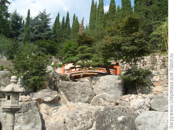 Дуговидные мостики - атрибуты японского сада