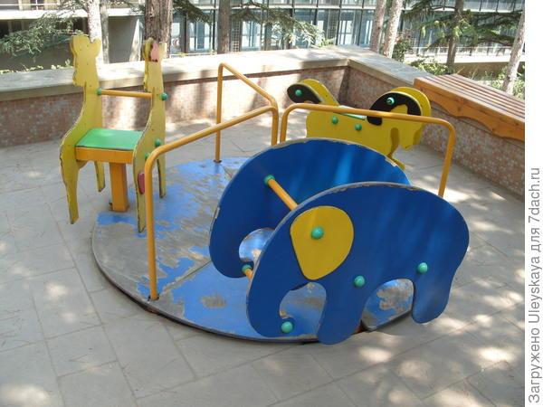 Детская карусель 1-го уровня площадки