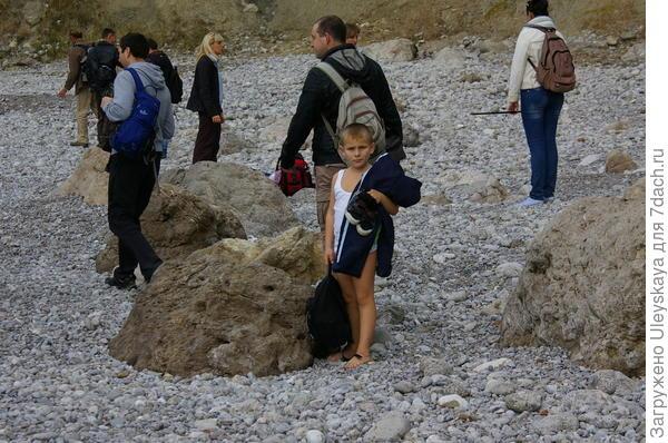 Отважный маленький купальщик