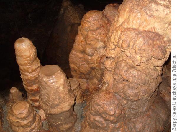 Таинственные фигуры пещеры