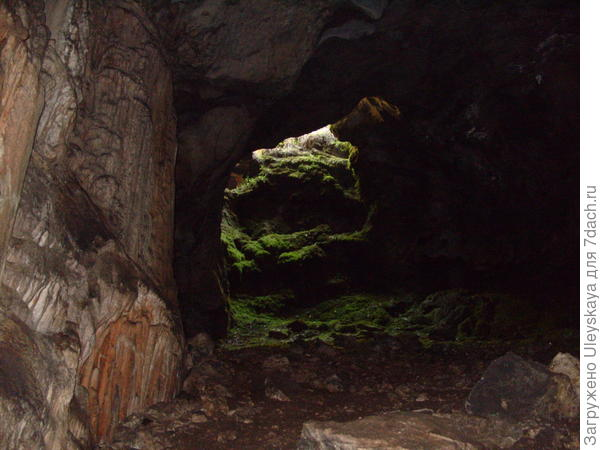 Колодец пещеры Эмине-Баир-Хосар, ранее вход в пещеру