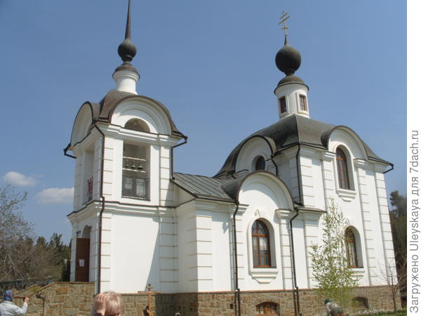 Храм Иоанна Кронштадского в поселке Морское, Крым