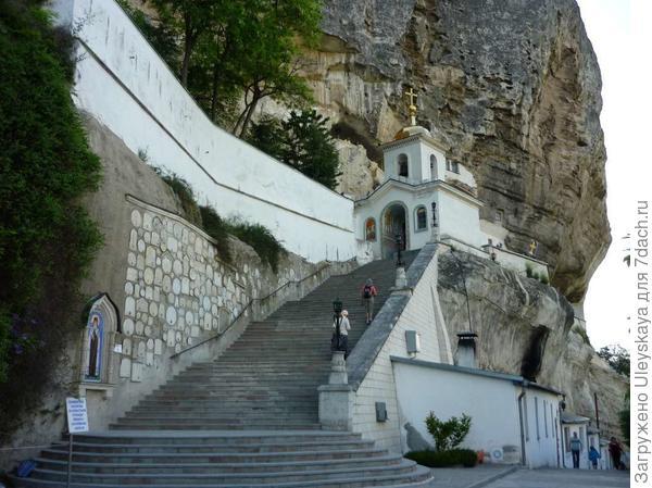 Храм Успения Пресвятой Богородицы, Чуфут-Кале, Крым