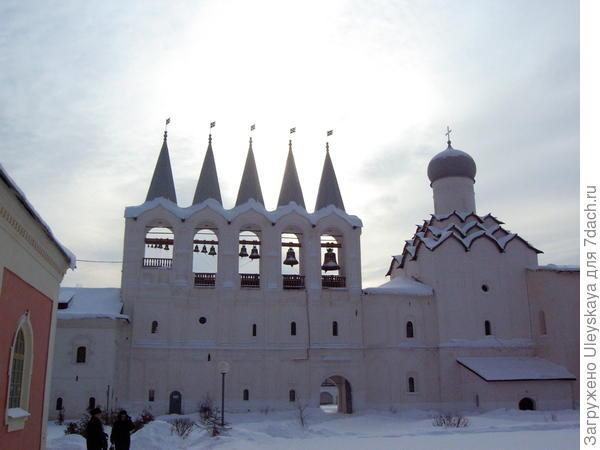 Тихвинский мужской монастырь, Ленинградская область