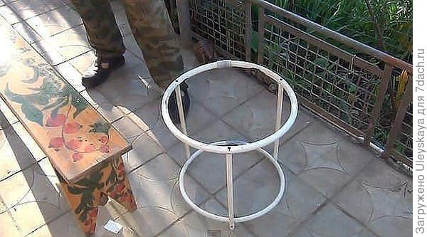Двойной обруч для поддержания растения, фото из недр интернета