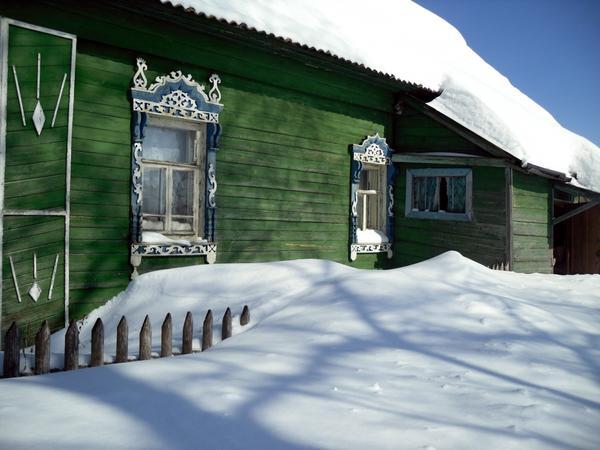 Снег под окнами